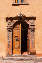 Mittelalter Tür in Italien