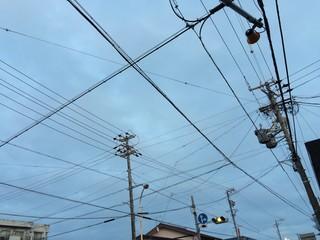 黄色信号の交差点
