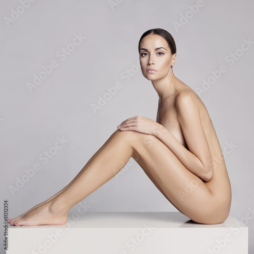 Foto op Plexiglas womenART Elegant sitting lady
