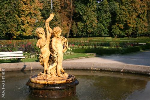 Leinwanddruck Bild Cupids trumpet fountain in Kozlowka Palace garden. Poland