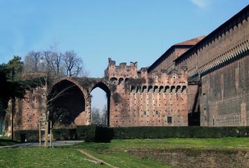 Milano castello Sforzesco ingresso Rivellino