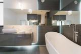 Stunning modern bathroom design