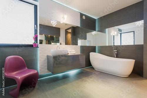 Contemporary exclusive bathroom interior - 81328311