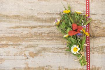 Blumenstrauß aus Wiesenblumen
