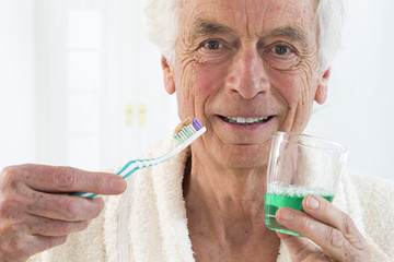 Hygiène Dentaire, Senior