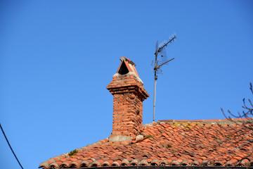 chimenea rustica de ladrillo