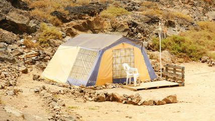 Tienda de campaña en Los Mármoles, Arrecife, Lanzarote