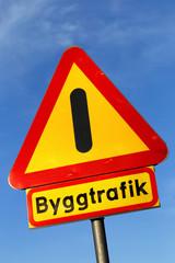 Varning byggtrafik
