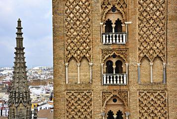 Gótico y almohade, catedral de Sevilla, la Giralda, España