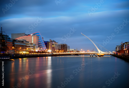 Fotobehang Noord Europa Bridges of Dublin Ireland