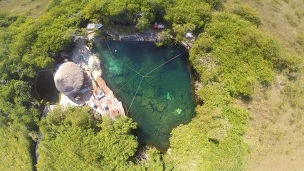 cenote tulum mexico agua cristalina