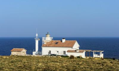 Leuchtturm mit Haus am Meer in Istrien