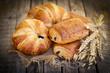 Frische Croissants - 81379148
