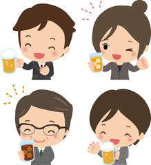 ビールやジュースで乾杯するスーツの男女