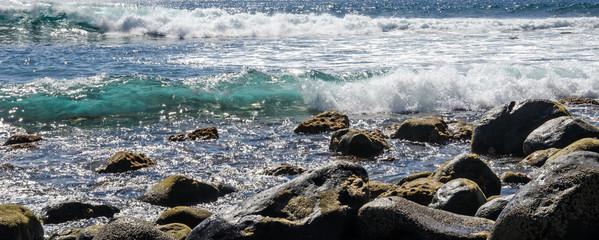 La Gomera: Blick auf Atlantik mit Wellen und Brandung :)
