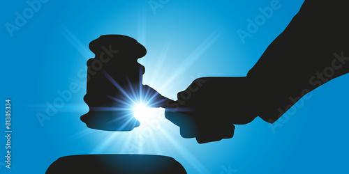 Juge - Commissaire Priseur - 81385334