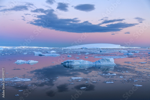 Poster Antarctica Midnight Sun - Weddell Sea - Antarctica