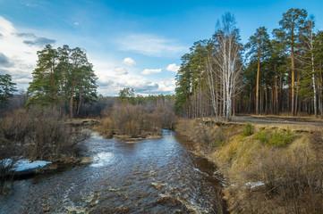 Уральская река в лесу весной, Россия