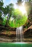 Fototapety Faszinierende Landschaft mit Wasserfall