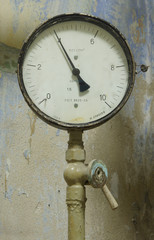 A device for measuring pressure, dated 1969 year