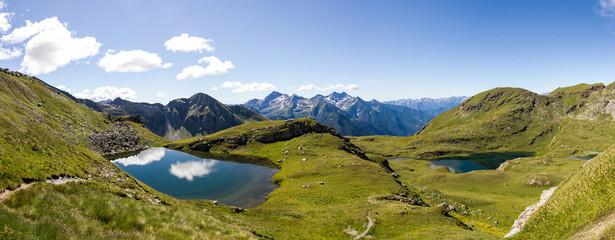 Panoramica con laghi di montagna