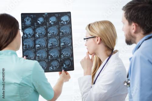Magnetic resonance image