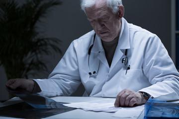 Head of hospital ward