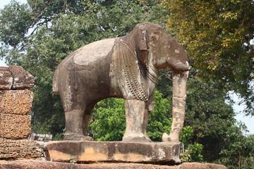 Elefante scolpito ad Angkor