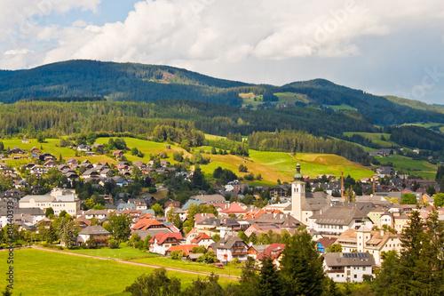 Leinwanddruck Bild Alpine town in Austria