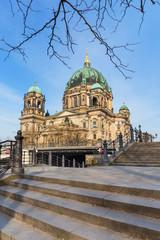 Berliner Dom in der Morgensonne