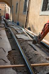 Cantiere lavori in corso, rifacimento stradale, tubazioni