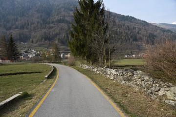 strada ciclabile, strada di campagna