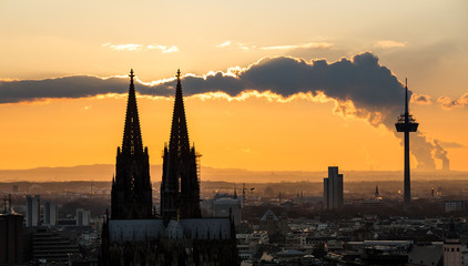 cologne cathedral cloud sundown