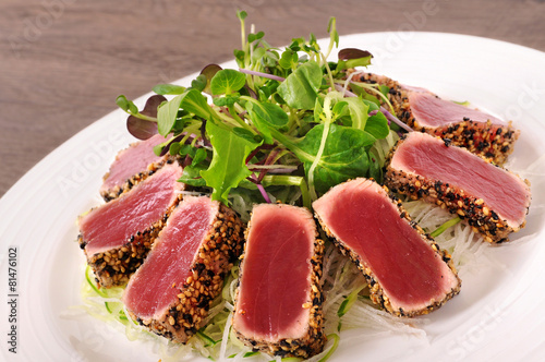Aluminium Salade Seared tuna salad
