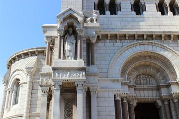 У входа в кафедральный Собор в Монако