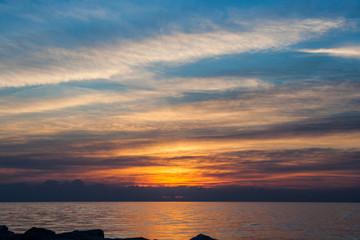 Rosso e blu al tramonto