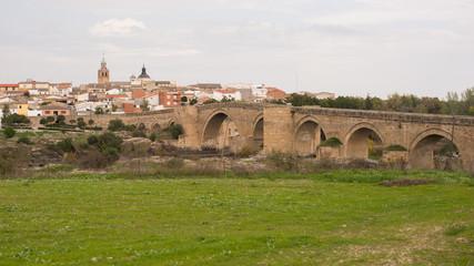 Puente gótico de El Puente del Arzobispo