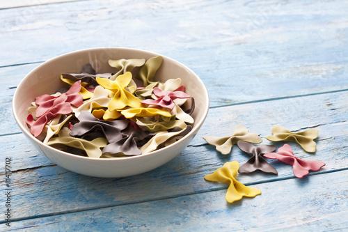 Papillons, Schmetterlingsnudeln, Nudeln, roh, Pasta - 81487702