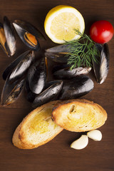 Bread and mussels