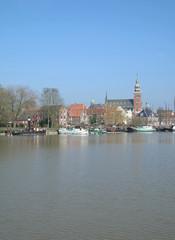 Touristenort Leer in Ostfriesland mit Waage und Rathaus
