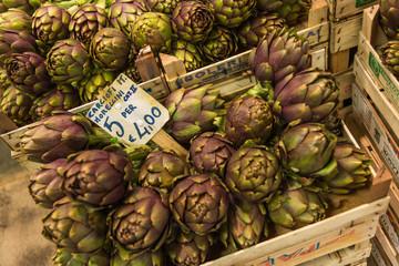 イタリア フィレンツェ 中央市場 アーティチョーク