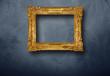 canvas print picture - cornice dorata vuota appesa