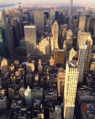 современный мегаполис на закате