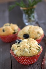Herzhafte Muffins und Rosmarin