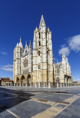 Central facade, tower and rose window of the cathedral of Leon