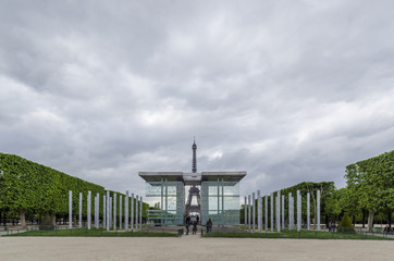 Peace Monument and Eiffel Tower