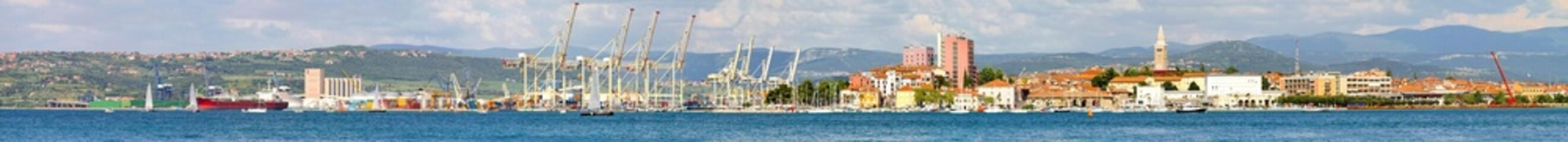 Koper port