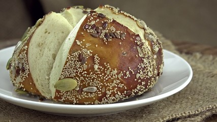 Pretzel Rolls (not loopable)