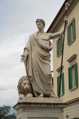 Statua in marmo di Arezzo