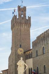 Torre con l'orologio